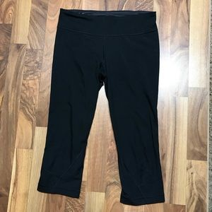 Under Armour Cropped Black Capris Leggings Sport